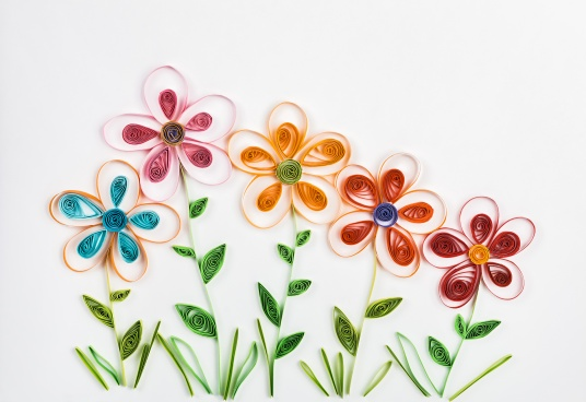 spring flowers made quilling