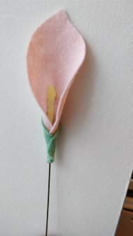 Felt cala lilly